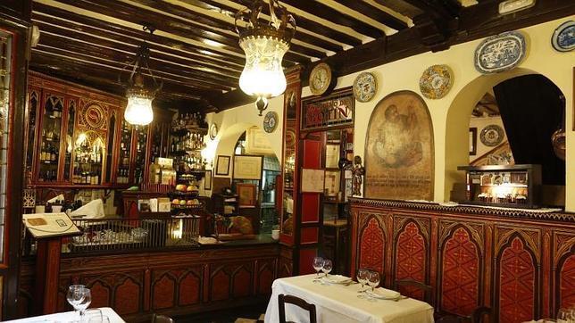 Restaurante El Botín: Salón.